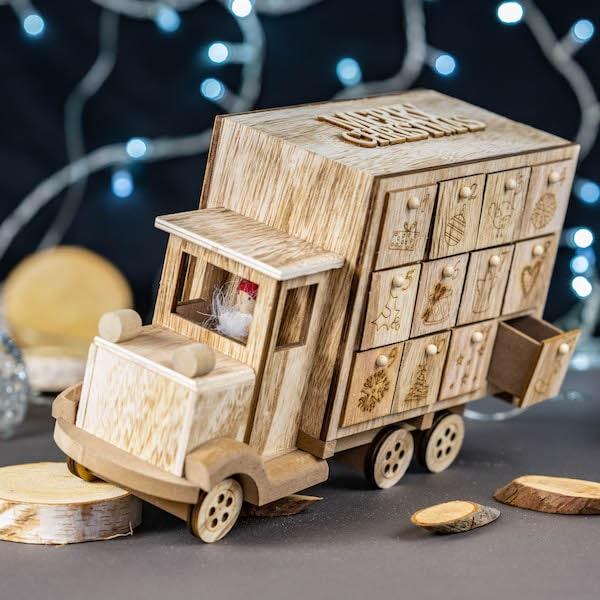 calendrier de l'avent camion bois chocolat